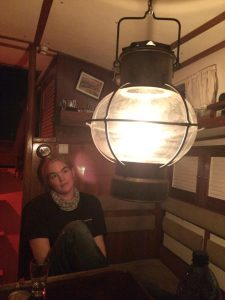 Petroleumlampe im Salon